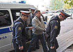 Суд счел, что экс-чиновники ФМС Демидов и Майоров (на фото вверху и внизу) должны находиться под следствием не в тюрьме, а на свободе