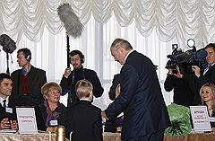 Президент республики Беларусь Александр Лукашенко с сыном Николаем принял участие в голосовании на избирательном участке №1 Центрального района Минска