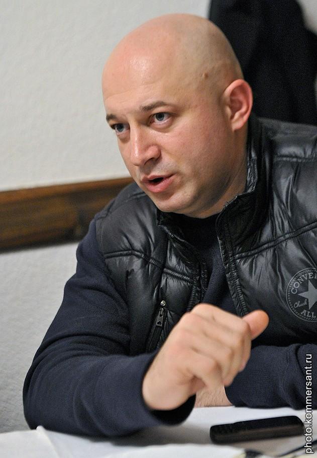 Бизнесмен Звонко Веселинович во время интервью