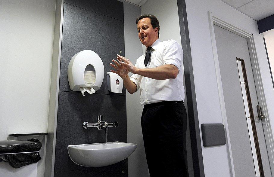 Выдвинув ряд жестких условий, британский премьер Дэвид Кэмерон снял с себя ответственность за результаты референдума о будущем Шотландии