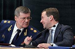 Генеральный прокурор России Юрий Чайка и президент России Дмитрий Медведев