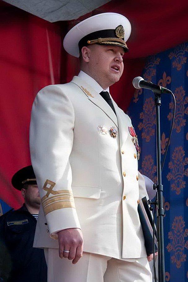 Бывший руководитель Северо-Западного территориального управления Росрыболовства  Сергей Муравьев подозревается в том, что за вознаграждение устраивал людей в свое ведомство