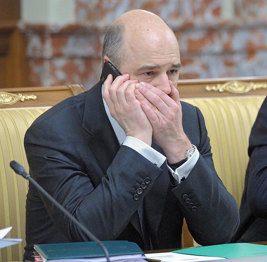 """Министр финансов Антон Силуанов продолжает согласование величины """"цены отсечения"""", не радующей значительную часть его коллег по Белому дому в принципе"""