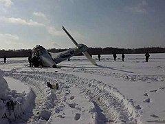 Место крушения самолета ATR-72 авиакомпании Utair. Самолет, вылетавший из Тюмени в Сургут, упал в 45 километрах от областного центра (район села Горьковка)