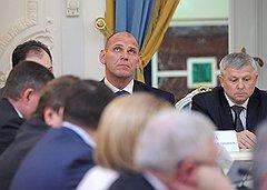 Член высшего совета партии Александр Карелин перенес уход Владимира Путина из партии стоически