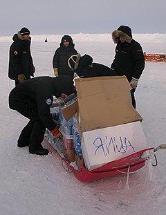 Пасху готовятся отметить и на дрейфующей льдине