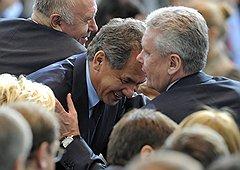 Губернатор Московской области Сергей Шойгу (в центре) и мэр Москвы Сергей Собянин (справа)