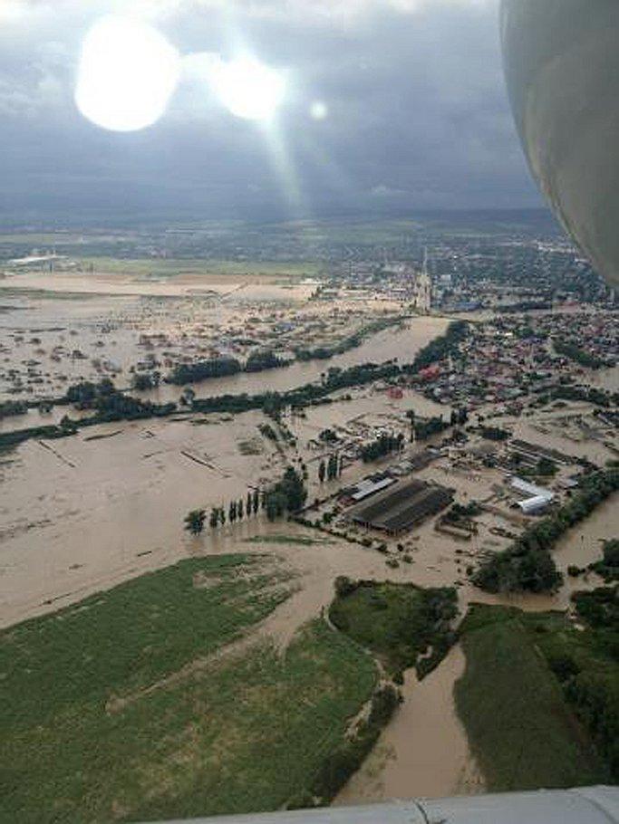 Вид Геленджика после наводнения мало напоминает традиционную курортную открытку