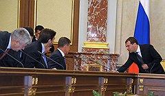 Премьер-министр Дмитрий Медведев остается пока единственным защитником госмонополии на шельф от своих подчиненных