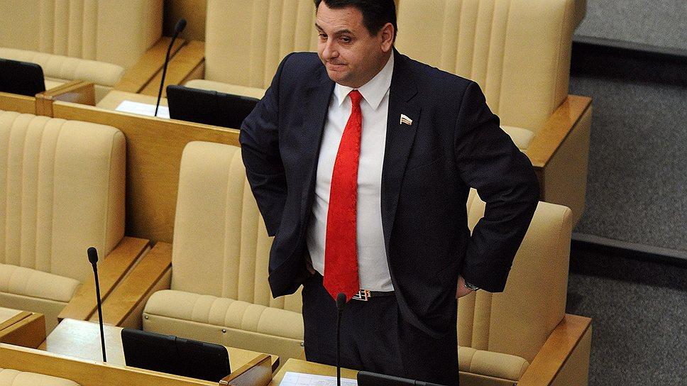 Депутат Госдумы Олег Михеев, недавно лишившийся депутатской неприкосновенности, 12 марта вызван на допрос в СКР по возбужденному против него уголовному делу