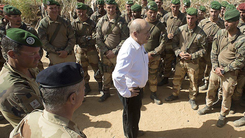 Министр обороны Жан-Ив Ле Дриан не хочет, чтобы Франция увязла в Мали, как США — в Афганистане