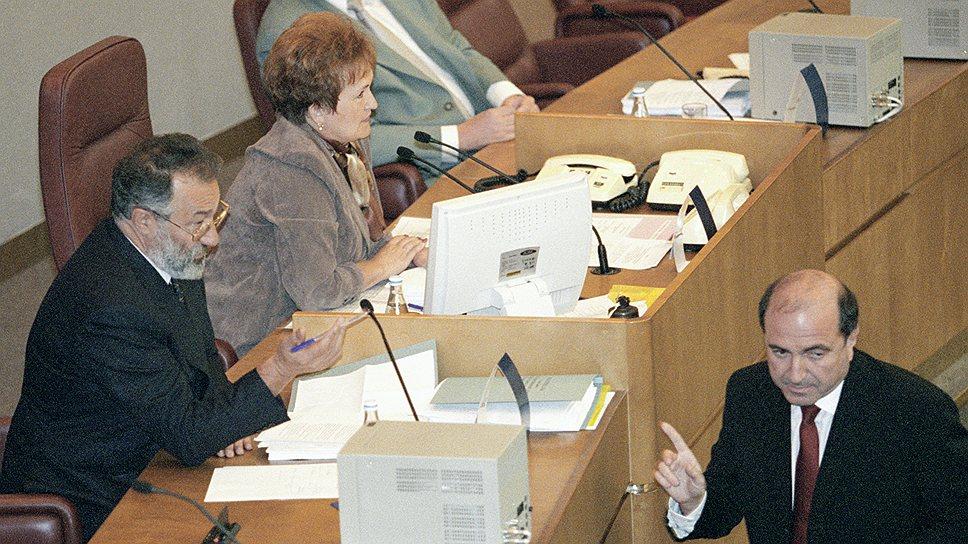 Депутатский мандат оказался не нужен Борису Березовскому через несколько месяцев после выборов
