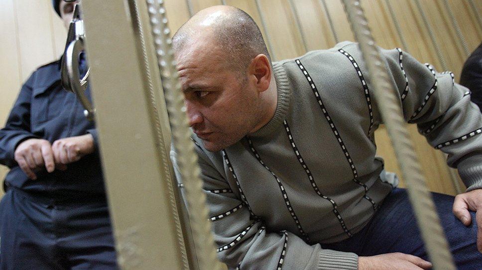 К бывшему оперативнику Сергею Хаджикурбанову, обвиняемому в организации убийства Анны Политковской, появились вопросы и по делу об убийстве Пола Хлебникова