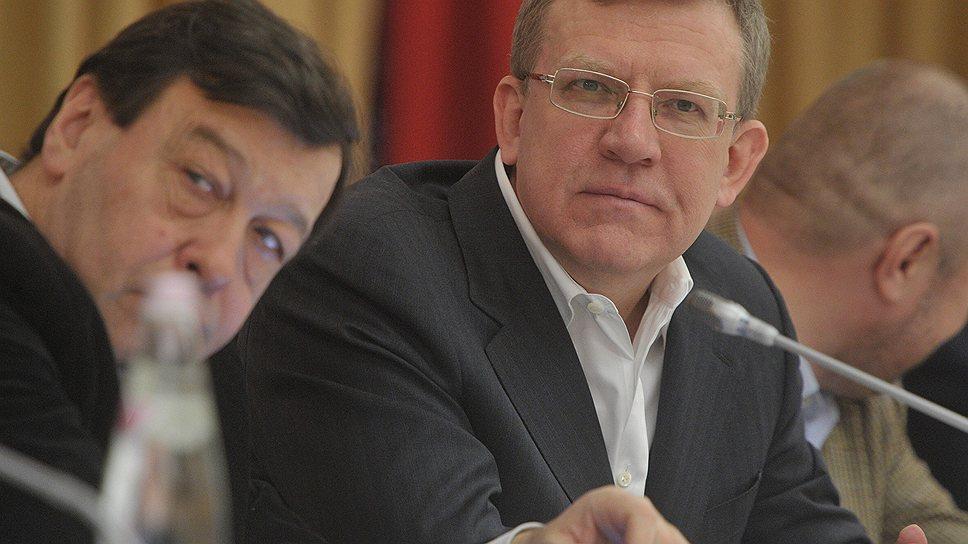 Бывший вице-премьер Алексей Кудрин (справа), возглавляющий Комитет гражданских инициатив, предлагает Кремлю ставить на демократов