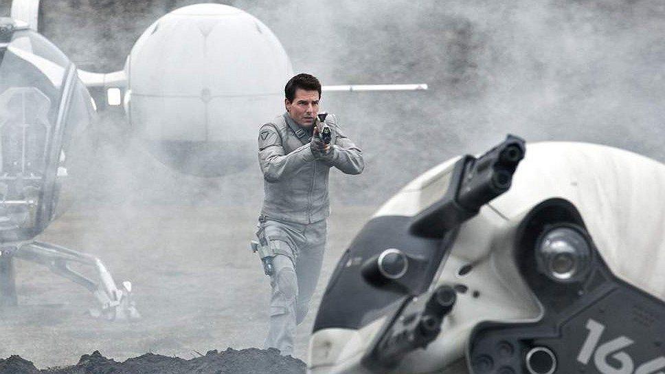 """""""Обливион"""" выполнен примерно в том же жанре  футуристического глюка, что и предыдущая картина режиссера Джозефа Косински """"Трон: наследие"""""""