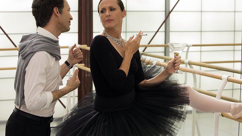 """Одна из сюжетных линий нового """"Очень страшного кино"""" пародирует балетные ужасы фильма """"Черный лебедь"""""""