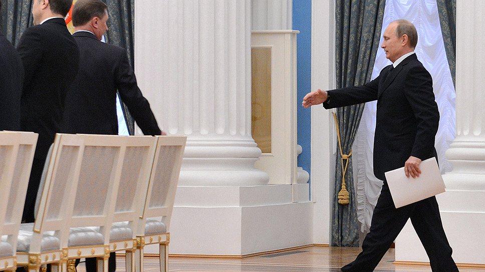 Руководящие приказания / Владимир Путин напомнил правительству, кто в стране правит