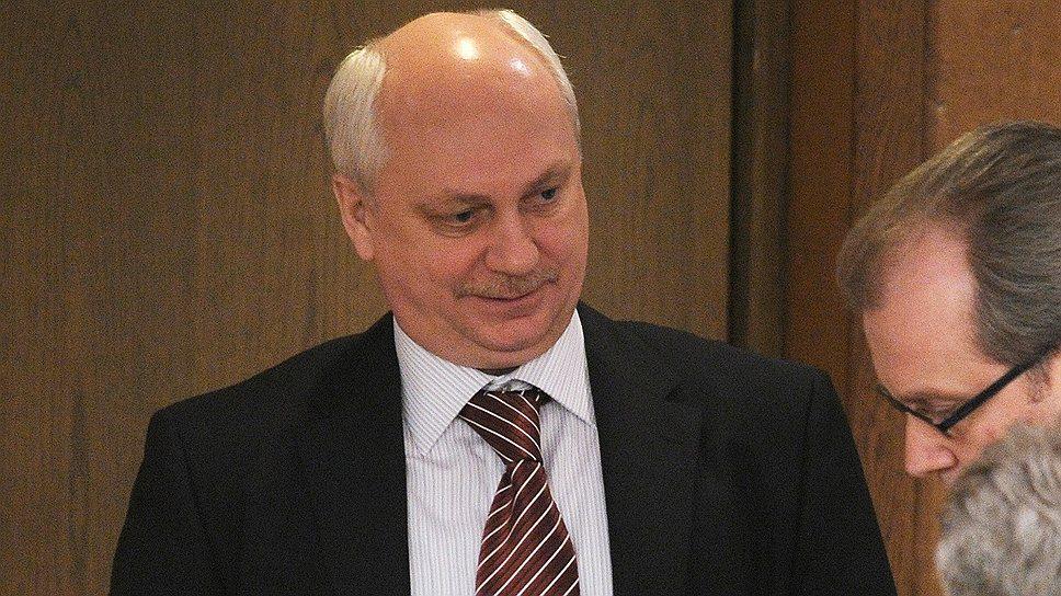 """Главный военный прокурор Сергей Фридинский надеется, что ущерб в 145 млн руб., нанесенный государству главой """"Оборонсервиса"""", станет основанием для его отстранения"""