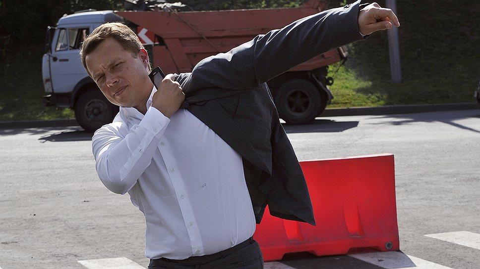 Вице-мэр Максим Ликсутов примеряется к новой форме контроля за нарушителями правил парковки