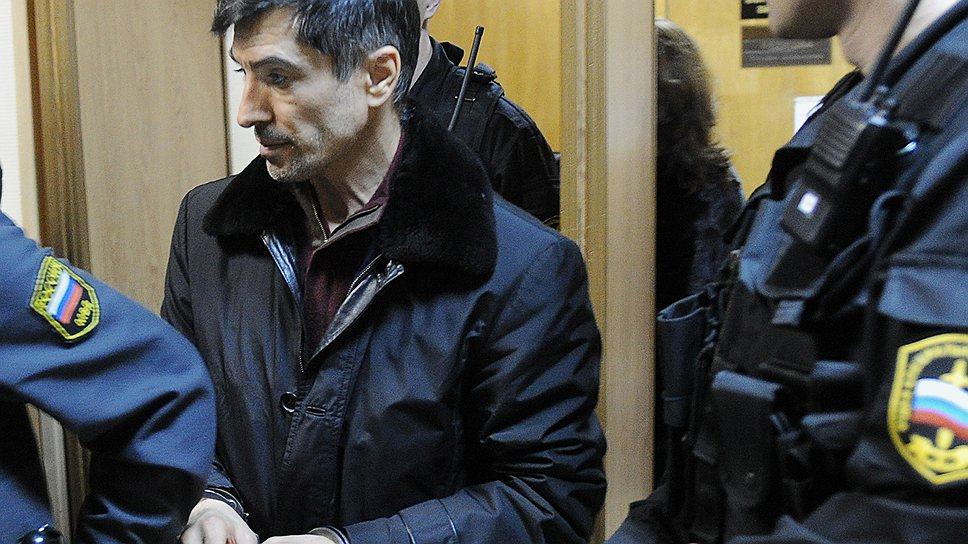 Феликсу Шамхалову заменили камеру СИЗО коттеджем в элитном поселке