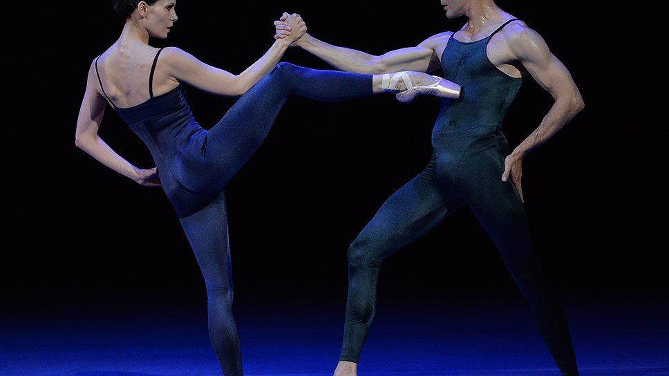 Хореография 80-летнего Ханса ван Манена (на фото — Игонэ де Йон и Йозеф Варга) оказалась самой современной из всего представленного на Benois de la danse-2013