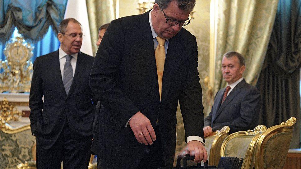 Сергей Приходько обменял один  временный портфель в Белом доме на два постоянных
