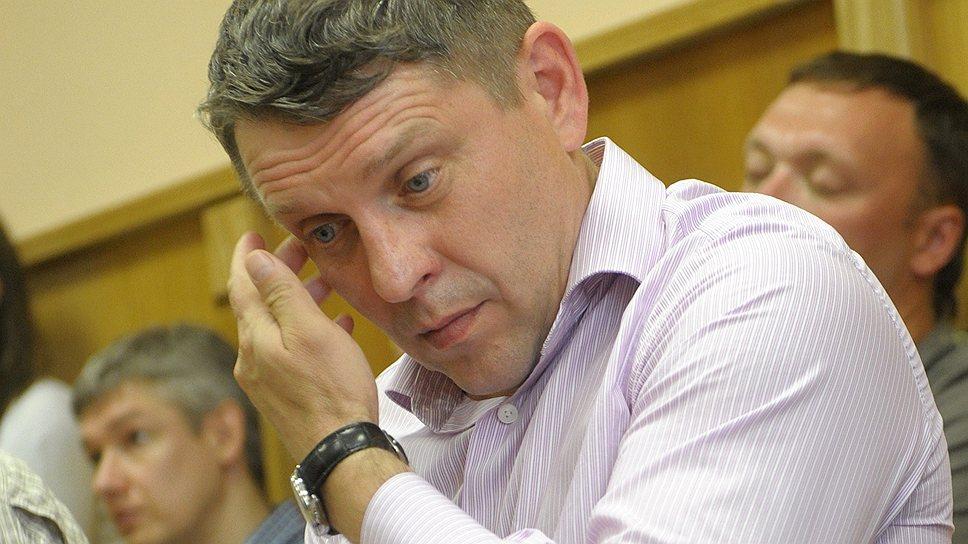 Бывший замначальника петербургского УБОПа Владимир Сыч за историю с попыткой рейдерского захвата получил условный срок
