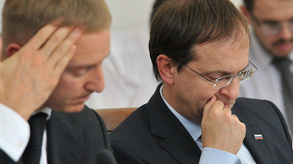 Глава Минобрнауки Дмитрий Ливанов (слева) и министр культуры Владимир Мединский решили изучить уроки прошлого