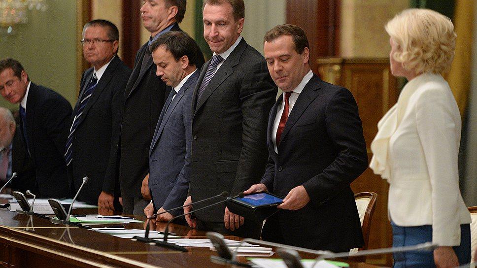 На очередные предложения РСПП правительство Дмитрия Медведева отвечает дружными межведомственными дискуссиями