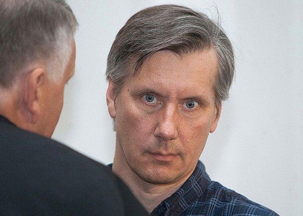 В США россиянина Дмитрия Устинова подозревают в незаконной торговле военной оптикой