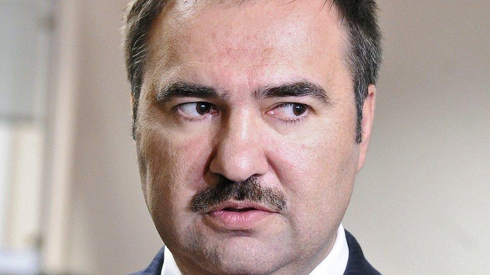 Глава Пенсионного фонда Антон Дроздов уже три года вынужден не упоминать тюрьму в беседах с неплательщиками