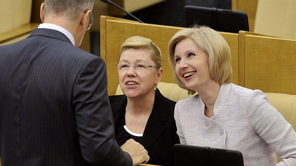Елена Мизулина (слева) и Ольга Баталина хотят защитить себя от клеветы с помощью Уголовного кодекса