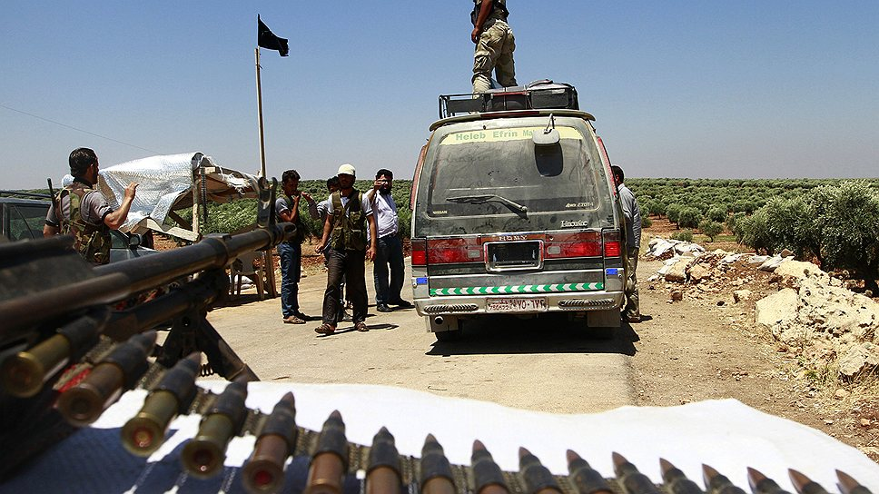 """Отстаивать автономию сирийским курдам приходится в боях с """"Аль-Каидой"""", а не с правительственными войсками"""
