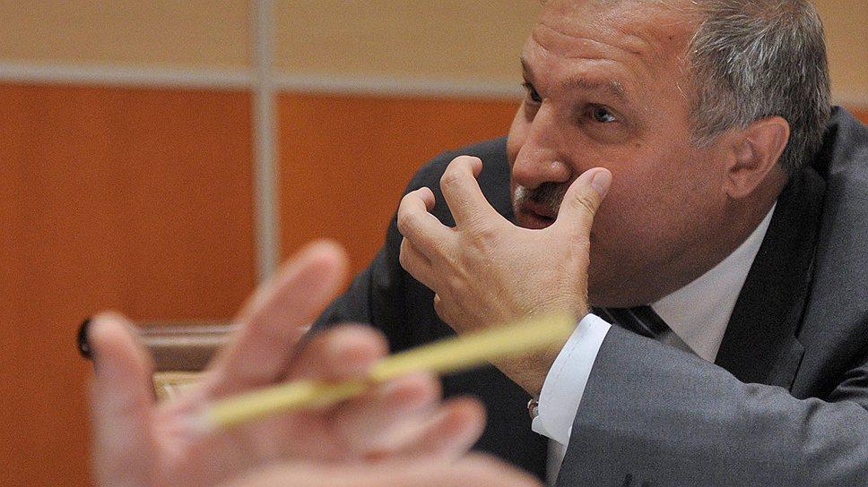 Покинув государственную «Роснефть», Эдуард Худайнатов сразу начал удовлетворять обнародованный ее президентом Игорем Сечиным «спрос на развитие частного бизнеса в нефтегазовом секторе»