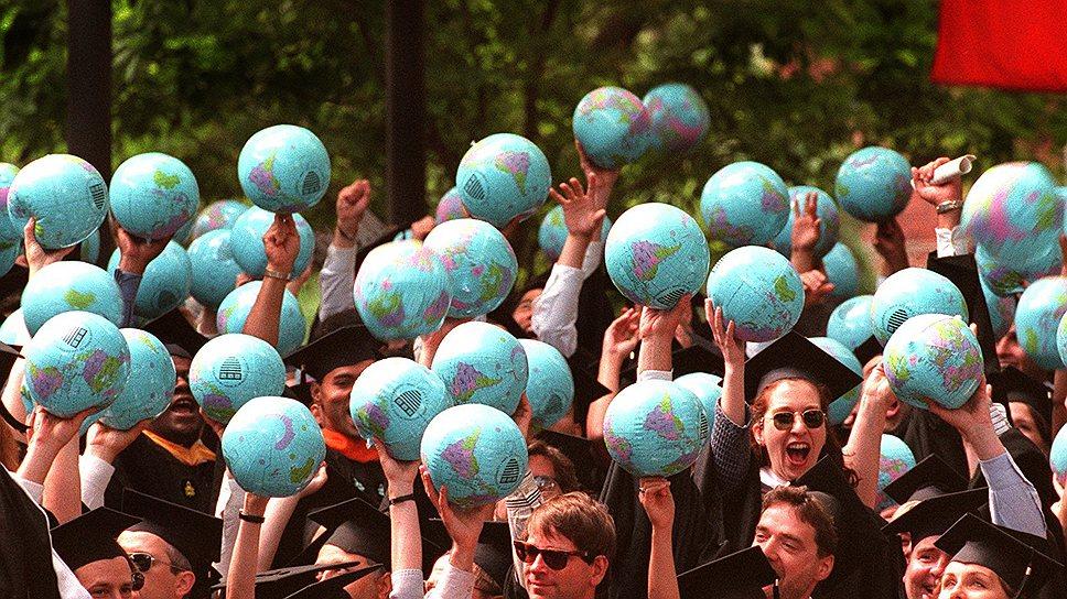 «Глобальное образование» России пока не грозит: запуск программы, задуманной в 2010 году, снова откладывают