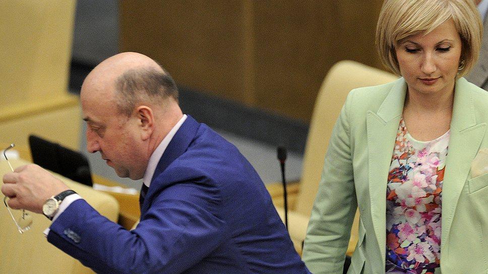 Владимир Плигин уверен, что партийную составляющую в парламентах регионов следует снижать, поскольку в политике наступило время персонализации
