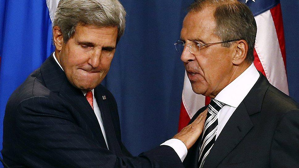"""Госсекретарь США Джон Керри (слева) после переговоров с Сергеем Лавровым впервые за многие годы признал Россию одной из двух """"самых мощных держав в мире"""""""