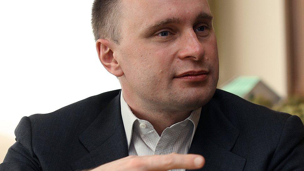 Как Александр Занадворов выставил сеть на продажу