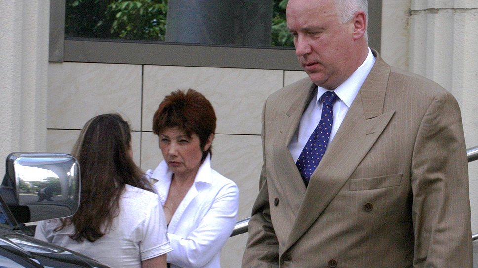 В возглавляемом Александром Бастрыкиным (на переднем плане) СКР проводится проверка в отношении одного из помощников заместителя главы ведомства Елены Леоненко (на втором плане)