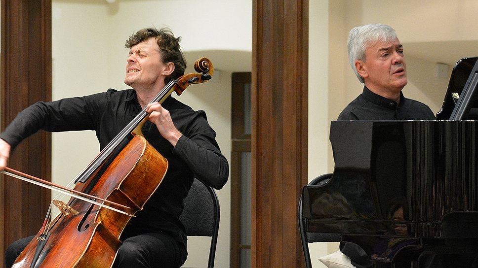 Бриттеновский вечер, сделанный пианистом Алексеем Гориболем (виолончелист — Рустам Комачков), не уступал самым изощренным европейским фестивальным программам