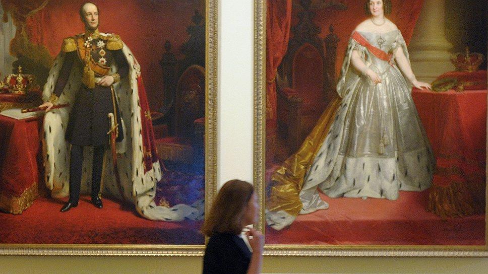Странный, нервный муж-голландец с амбициями уравновешивался избалованной, но мягкой русской женой