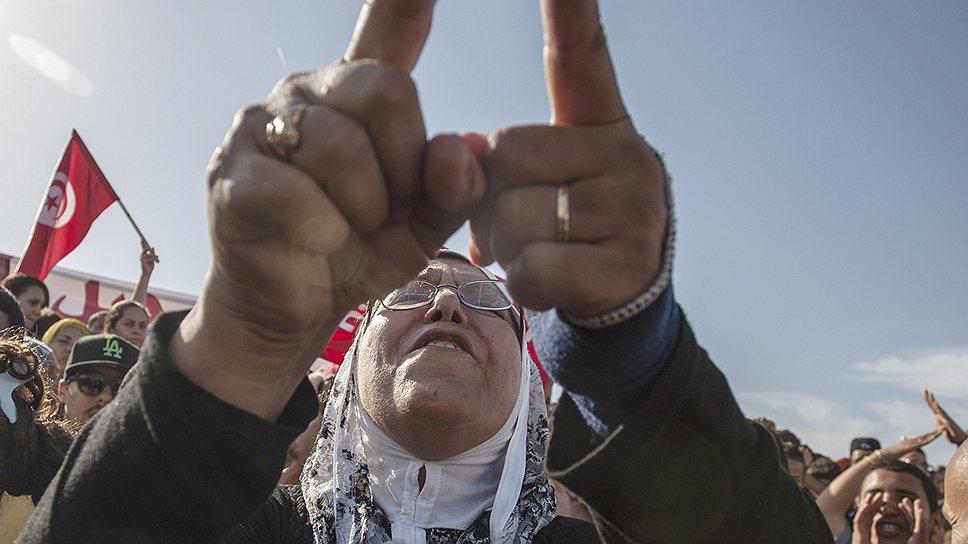 Как теракты пошатнули правительство в Тунисе