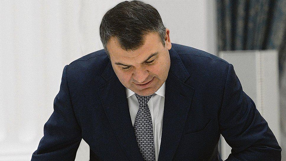 Почему делу Анатолия Сердюкова продлили срок службы