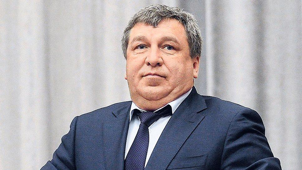 Главе Минрегиона Игорю Слюняеву, возможно, все же не придется исполнять политически опасное поручение премьер-министра