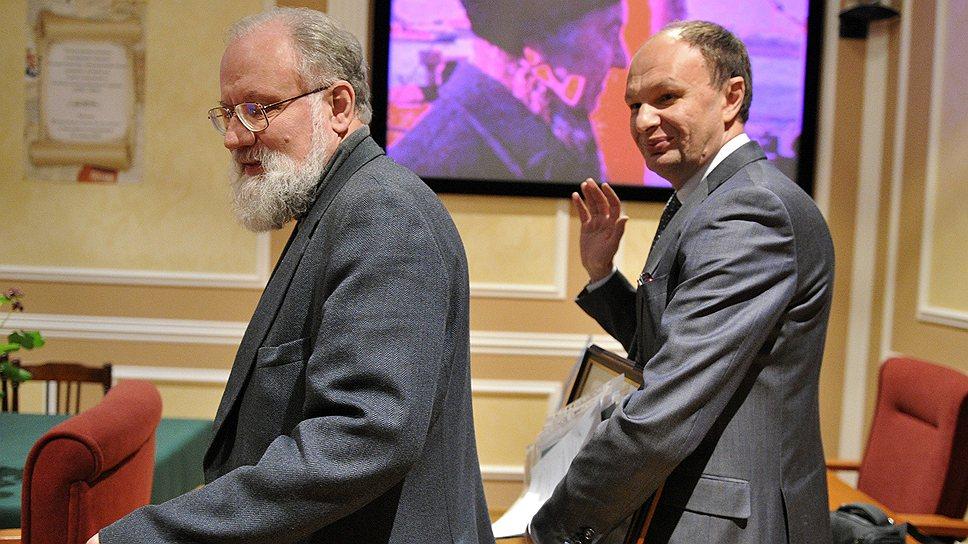 Владимир Чуров (слева) не позволил Михаилу Сеславинскому (справа) влиять на его выбор при чтении чужих писем