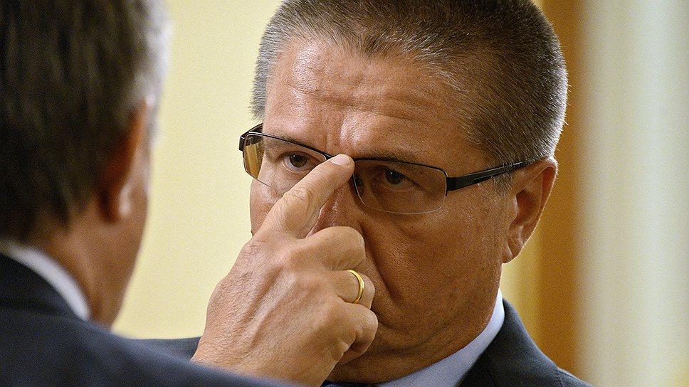 Министру экономики Алексею Улюкаеву приходится приводить идею ФМС в вид, который не вызовет у рынков обморока