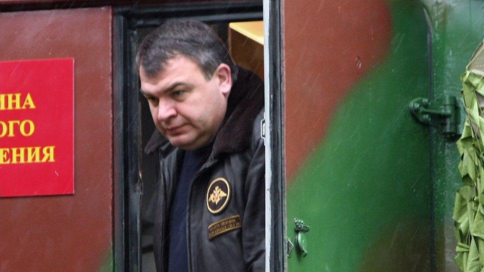 Анатолий Сердюков стал подследственным