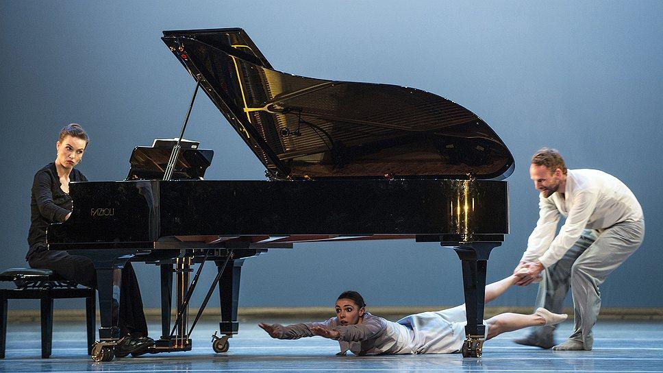 """В """"Сюите"""" Йо Стрёмгрена балетные будни предстают в неожиданном ракурсе"""
