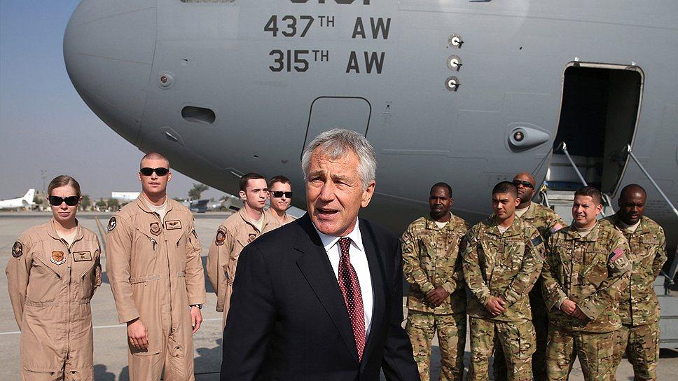 Глава Пентагона Чак Хейгел дал понять властям Пакистана, что, если те не обеспечат транзит в Афганистан, страна может лишиться многомиллионной американской помощи
