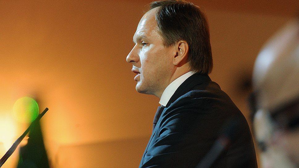Нападение грабителей во Франции не помешало губернатору Красноярского края Льву Кузнецову по возвращении домой сразу окунуться в работу
